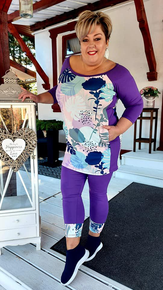 Fashion by NONO - Eperke lila-virágos tunika
